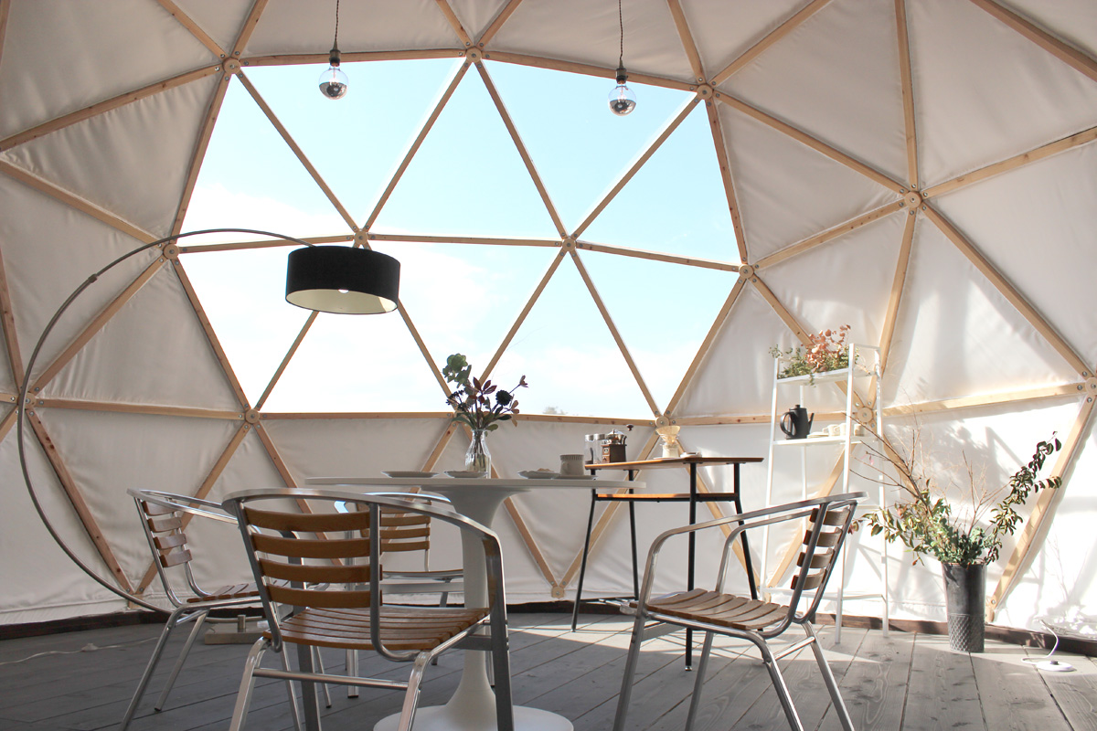 愛知県岡崎市額田地区から切り出したひのき材を使用した木製グランピングドーム