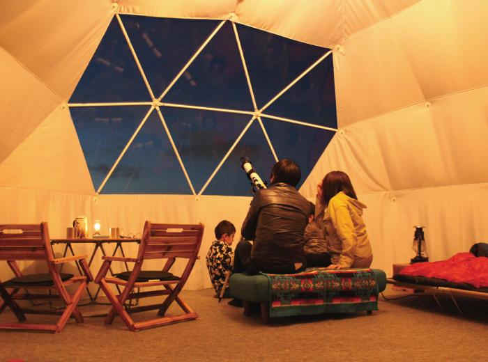 宙のドームの使用例 コミュニティスペースとして